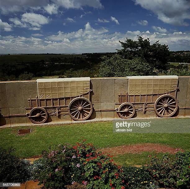 Pretoria : Planwagen-Relief amVoortrekker-Monument- 1993