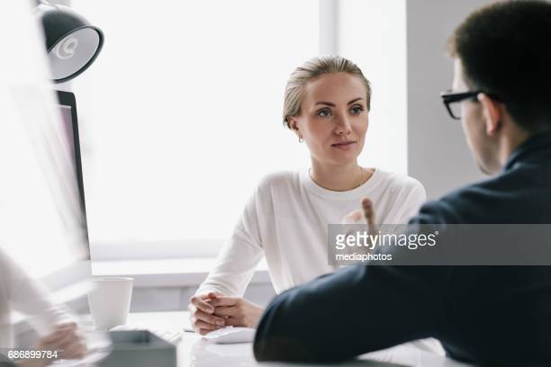 pretty hr manager conducting interview - recruiter stock pictures, royalty-free photos & images