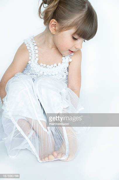 """pretty little girl in white - """"martine doucet"""" or martinedoucet stock pictures, royalty-free photos & images"""