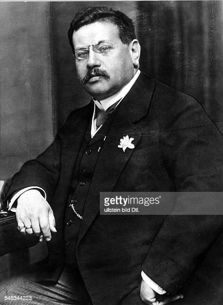 Preuss, Hugo *28.10.1860-+ Jurist, Politiker, DInnenminister 1918/19Mitglied der NationalversammlungVerfasser des Ersten Entwurfes zur...
