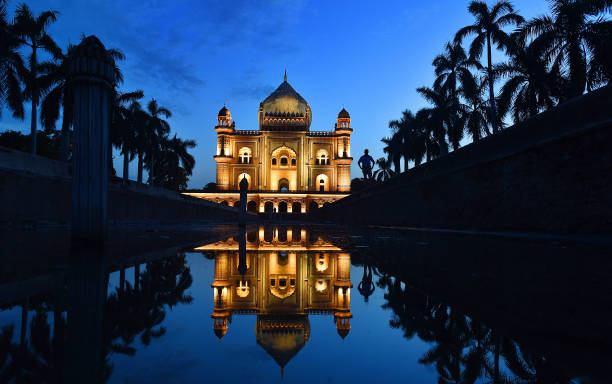 IND: Safdarjung Tomb Illuminated With 212 State-Of-The Art Mono LED Lights