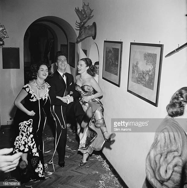 A prewedding party organised by the Countess di Frasso in Rome for actress Linda Christian and actor Tyrone Power 1949 From right to left Christian...