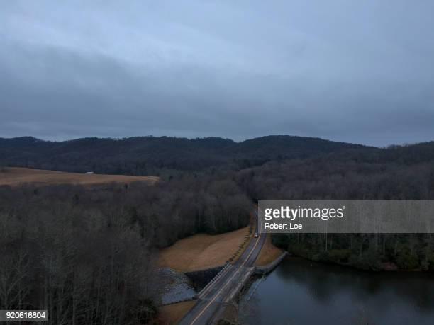 price lake aerial 2 - diablo lake fotografías e imágenes de stock
