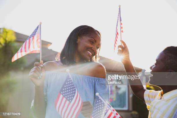 us pride celebration with family - fourth of july stock pictures, royalty-free photos & images