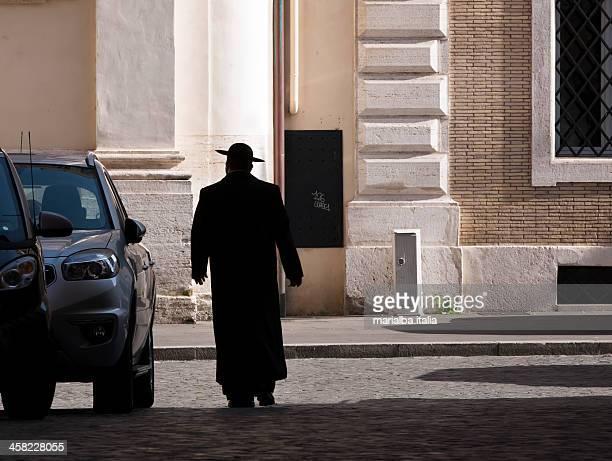priest - katholicisme stockfoto's en -beelden