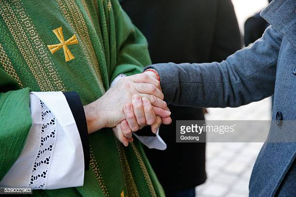 priest - religious mass stock pictures, royalty-free photos & images