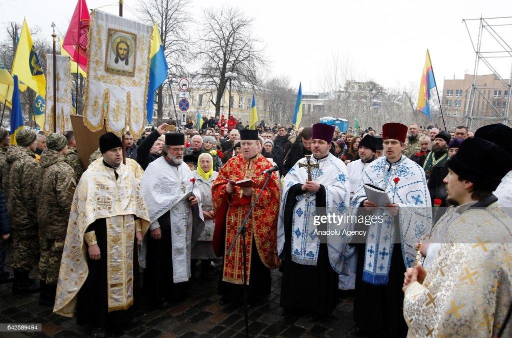 Commemoration for Euromaidan protestes' victims in Kiev : Nachrichtenfoto