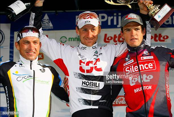 Prijs Harelbeke Kurt Asle Arvesen Team CSCwins the race left David Kopp Collstrop right Greg Van Avermaet © Frontzonesportdk