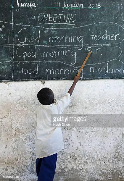 primary school. tanzania. africa - hugh sitton - fotografias e filmes do acervo