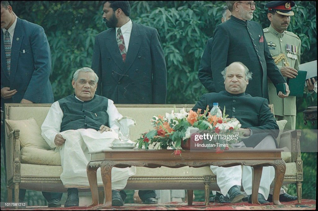 Prime Minister Atal Bihari Vajpayee with Pakistan Prime Minister Nawaz Sharif during his civic reception on his visit to Pakistan on February 21 1999.