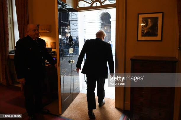 Prime Minister Boris Johnson leaves 10 Downing Street for Buckingham Palace on November 6 2019 in London England The British Prime Minister is...