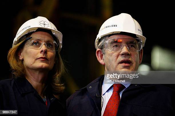 Prime Minister Gordon Brown and his wife Sarah Brown visit Sheffield Forgemasters steel working company on May 4 2010 in Sheffield England The...