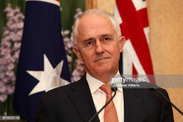 Prime Minister Malcolm Turnbull attends a press conference at Kirribilli House on November 5 2017 in Sydney Australia The new New Zealand Prime...