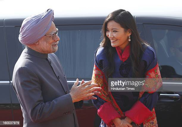 Prime Minister Manmohan Singh Bhutan's Queen Jetsun Pema during the ceremonial reception of Bhutan King at Rashtrapati Bhawan on January 25 2013 in...