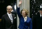 Prime minister margaret thatcher with husband denis thatcher waves to picture id134222951?s=170x170
