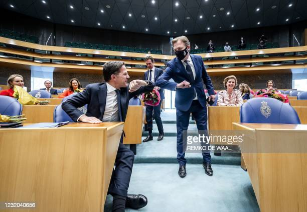 Prime minister Mark Rutte and Pieter Omtzigt greet each other prior to the inauguration of the members of the House of Representatives, on March 31...