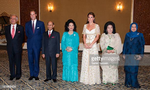 Prime Minister Najib Tun Razak Prince William Duke of Cambridge and Catherine Duchess of Cambridge attend an official dinner hosted by Malaysia's...