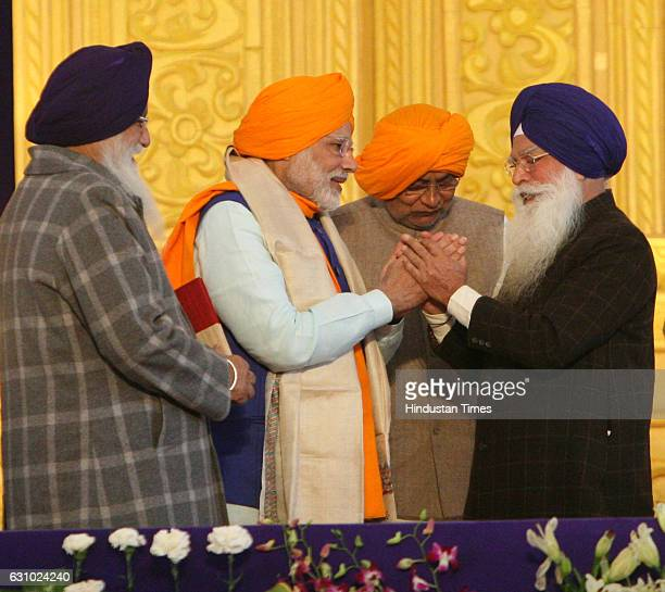 Prime Minister Narendra Modi and Chief Minister of Bihar Nitish Kumar during the 350th birth anniversary of Sikh Guru Gobind Singh Ji on January 5...