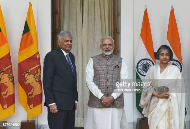 Prime Minister Narendra Modi and Sri Lankan PM Ranil Wickremesinghe along with Maithree Wickreme Singhe at Hyderabad House on November 23 2017 in New...