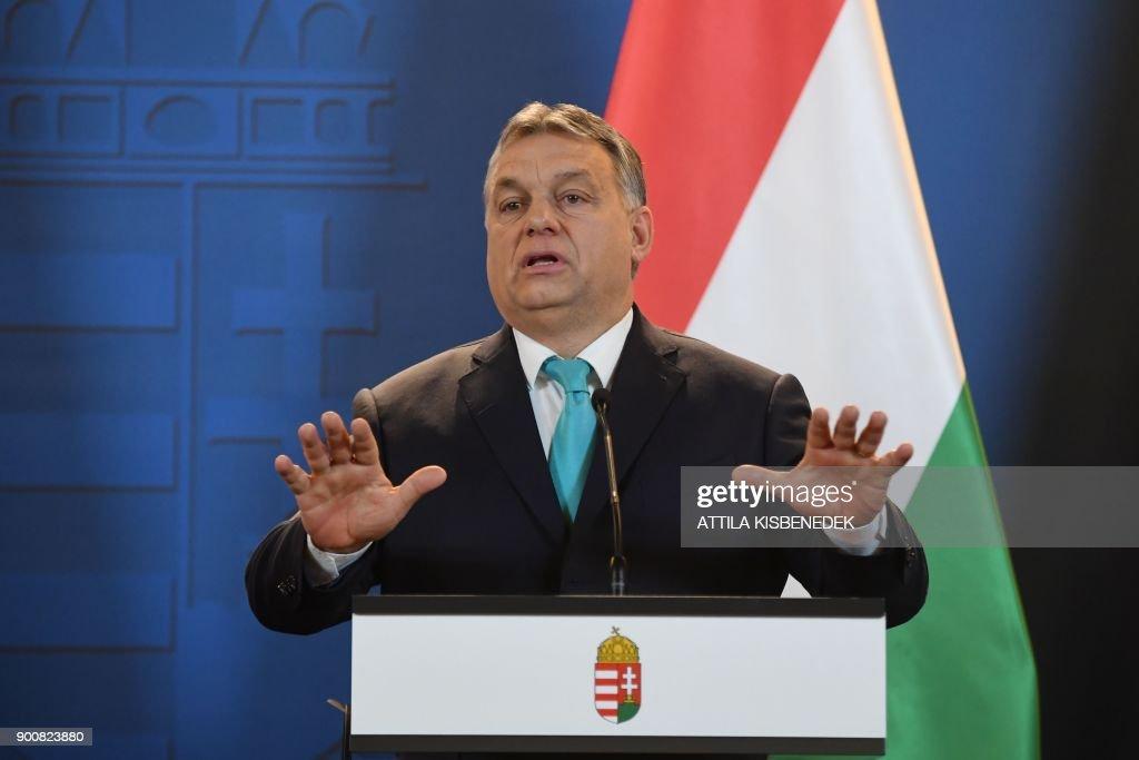 HUNGARY-POLAND-DIPLOMACY-ORBAN : News Photo