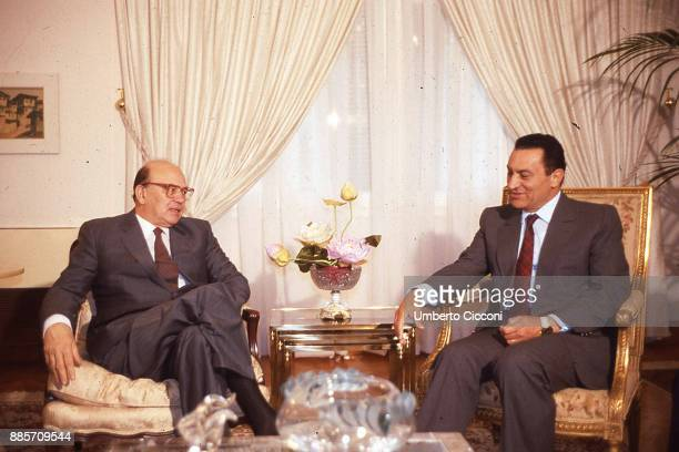 Prime Minister of Italy Bettino Craxi talks to President of Egypt Hosni Mubarak during an official visit in Egypt 1986