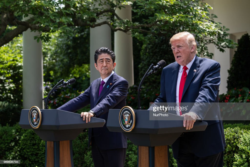 President Trump Holds Joint News Conference With Japanese Prime Minister Shinzo Abe : News Photo