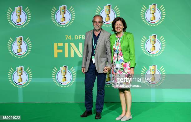 Prime minister of Rhineland-Palatinate Malu Dreyer and her husband Klaus Jensen arrive for the DFB Cup Final 2017 between Eintracht Frankfurt and...