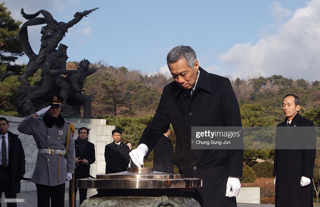Prime Minister of Singapore Lee Hsien Loong Visits South Korea - Day One