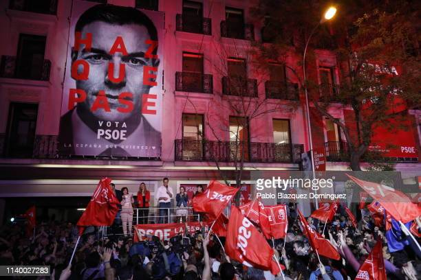 Prime Minister of Spain Pedro Sanchez addresses supporters outside of the PSOE headquarters on April 28 2019 in Madrid Spain Spaniards go to the...