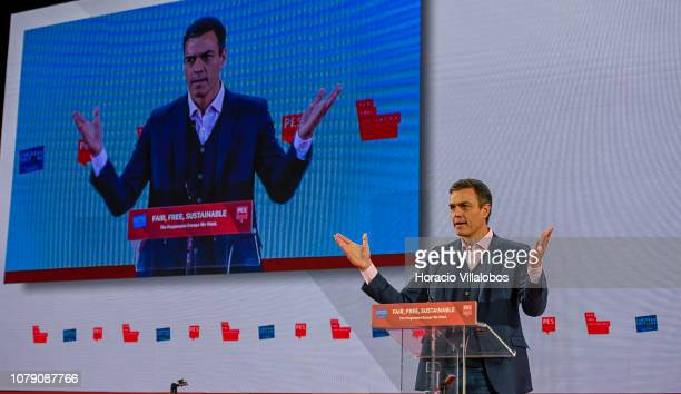 Prime Minister of Spain Pedro Sánchez speaks at the Party of European Socialists PES Congress 2018 on December 08 2018 in Lisbon Portugal The XI PES...