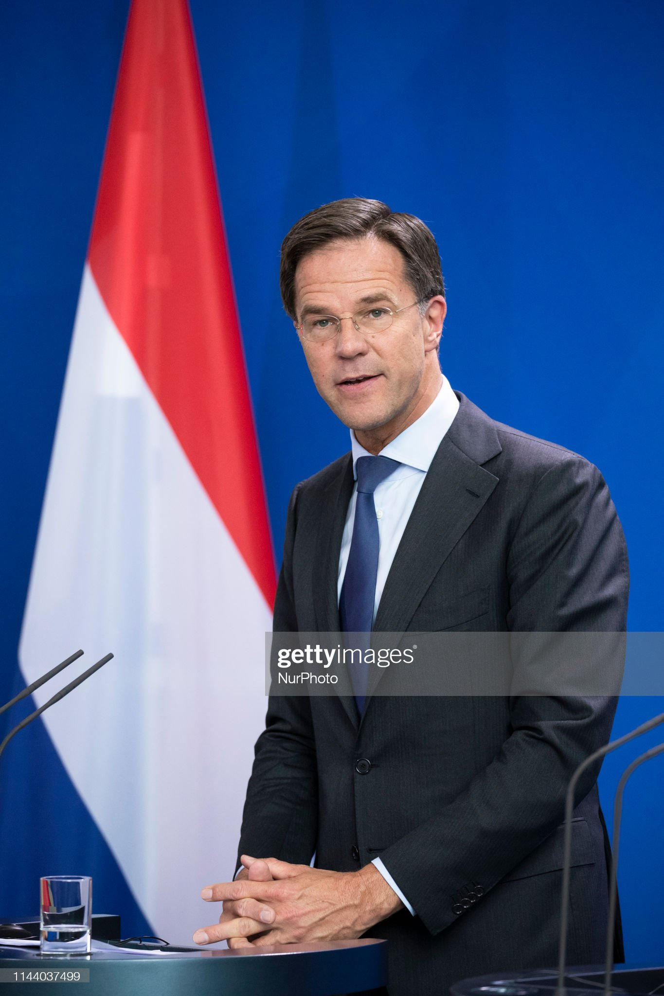 ¿Cuánto mide Mark Rutte? - Altura - Real height Prime-minister-of-the-netherlands-mark-rutte-is-pictured-during-a-picture-id1144037499?s=2048x2048