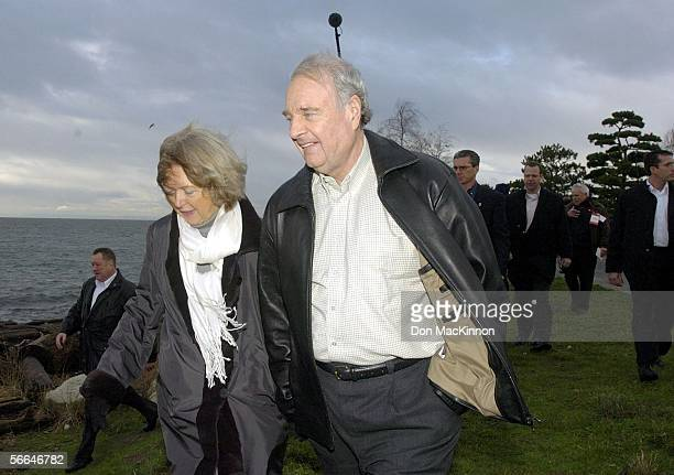 Prime Minister Paul Martin and wife Sheila walk in Garry Point Park on the final day of campaigning prior to leading a Liberal rally on January 22...
