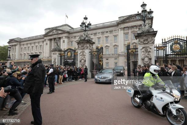 Prime Minister Theresa May leaves Buckingham Palace for Downing Street on May 3 2017 in London England The Prime Minister visited The Queen at...