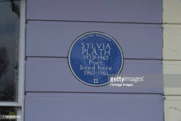 Primrose Hill Blue plaque commemorating the residence of Sylvia Plath the 20th century poet and author of The Bell Jar Primrose Hill London NW1...