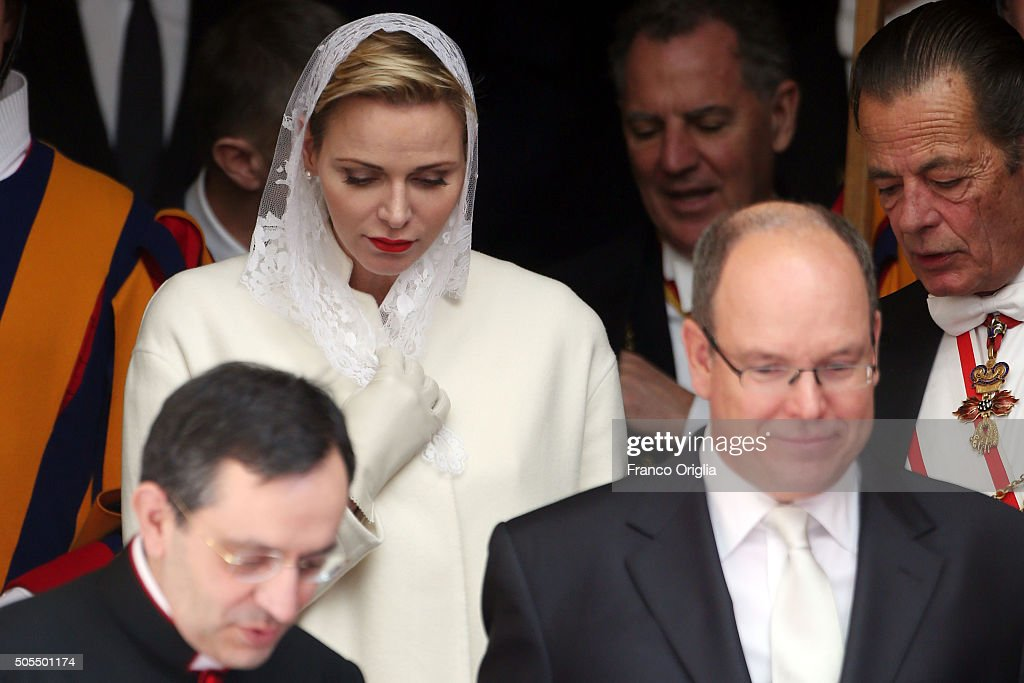 The Pope Meets Albert And Charlene Of Monaco - Arrivals : News Photo