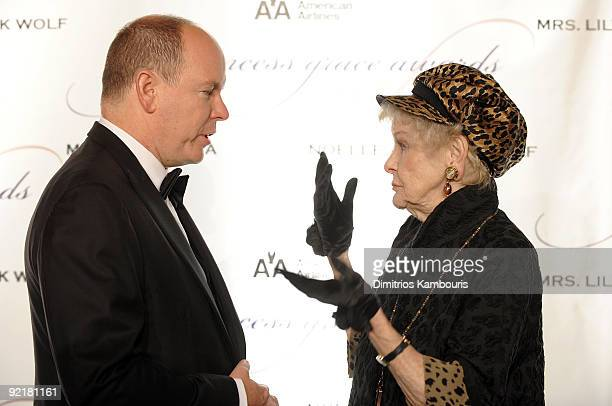 Prince Albert II of Monaco talks with actress Elaine Stritch at The Princess Grace Awards Gala at Cipriani 42nd Street on October 21 2009 in New York...