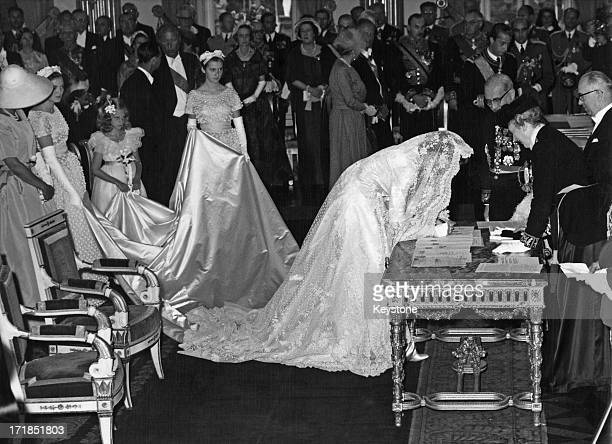 Prince Albert of Belgium later King Albert II of Belgium weds Princess Paola of Belgium 2nd July 1959 The couple are seen here at the Royal Palace of...