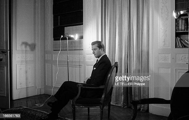 Prince Albert Of Liege And His Wife Princess Paola Bruxelles 20 novembre 1962 Portrait en intérieur du prince ALBERT DE LIEGE assis sur un fauteuil