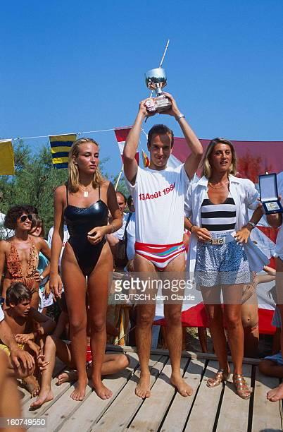 Prince Albert Of Monaco Wins The First Fast Boat Race Between Monaco And Sainttropez Première course motonautique de régularité entre Monaco et...