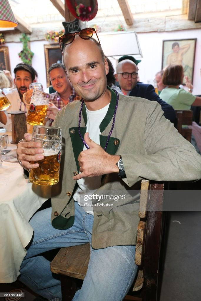 https://media.gettyimages.com/photos/prince-albert-von-thurn-und-taxis-during-the-oktoberfest-at-kaefer-picture-id851782442