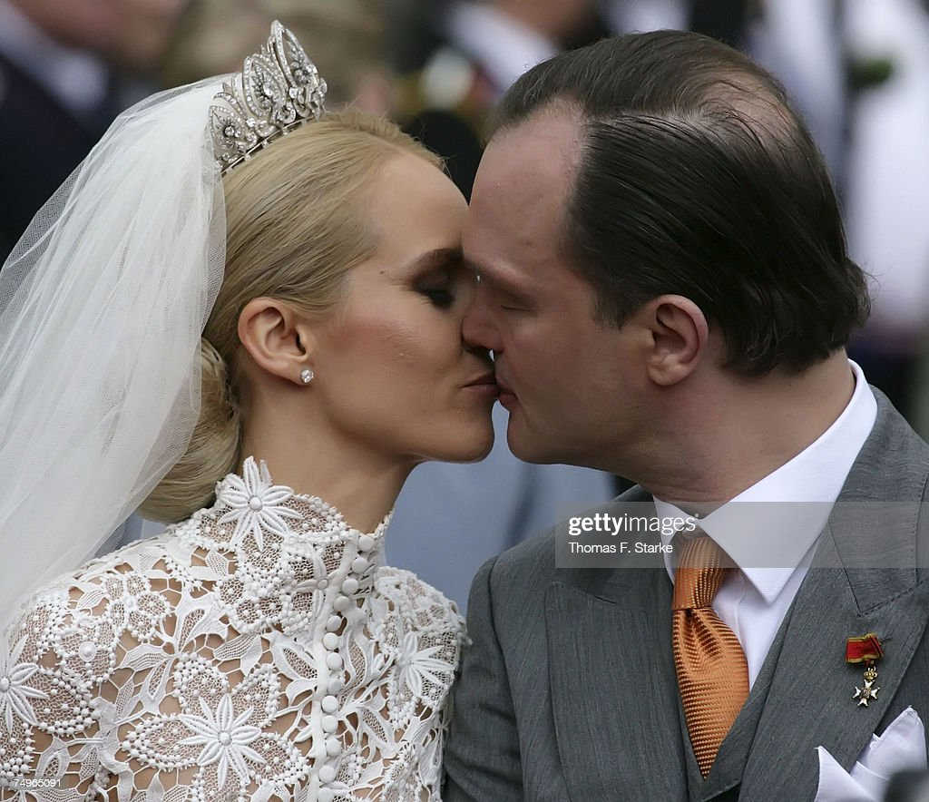 Prince Alexander zu Schaumburg Lippe and Nadja Anna Zsoeks kiss after their wedding ceremony at the city church on June 30, 2007 in Bueckeburg, Germany.