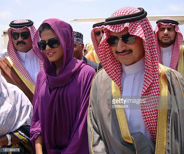 Prince AlWaleed Bin Talal [R] nephew of the Saudi King arrives in the Somalian capital Mogadishu August 27 2011 A delegation from the Saudi royal...