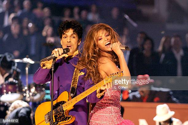 Prince and Beyonce perform a medley of his hits