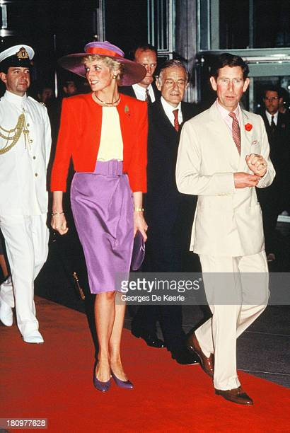 Prince and Princess of Wales Charles and Diana arrive to Hong Kong for their official visit on November 7 1989 in Hong Kong