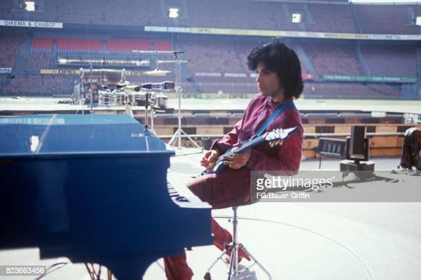 Prince at soundcheck, Feyenoord Stadium, Holland on August 17, 1988 in Rotterdam, Netherlands. 170612F1