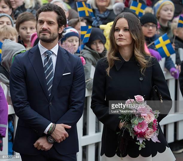 Prince Carl Philip and Princess Sofia arrive at the city Hall during Visit Varmlandon October 21 2016 in Varmland Sweden