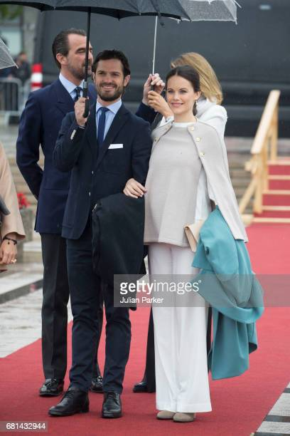 Prince Carl Philip and Princess Sofia of Sweden leave to attend a lunch on the Norwegian Royal Yacht Norge as part of the celebrations of the 80th...