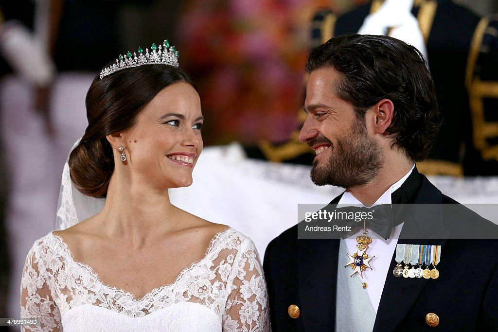 Prince Carl Philip of Sweden and his wife Princess Sofia of Sweden pose after their marriage ceremony on June 13, 2015 in Stockholm, Sweden.