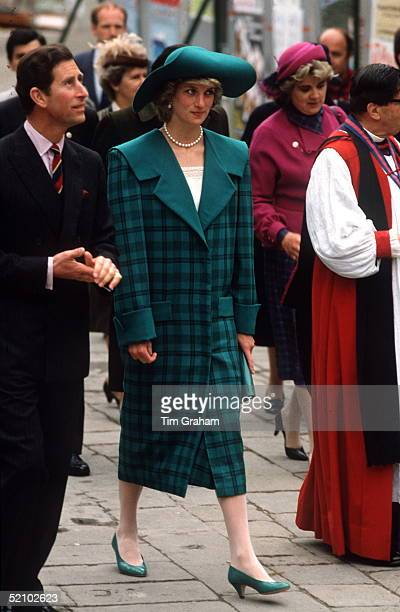 Prince Charles And Princess Diana In Venice She Is Wearing A Coat Designed By Fashion Designers The Emanuels