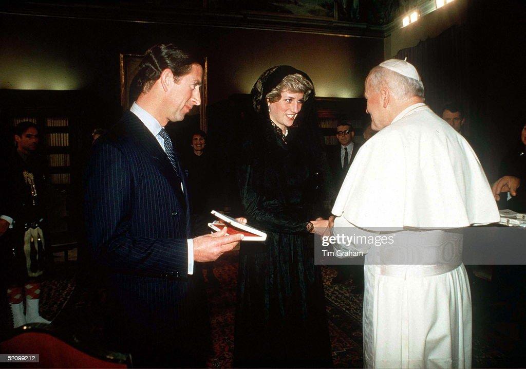 Charles Diana Pope : News Photo
